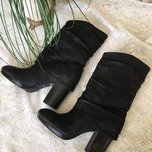 Vince Camuto Cassandra leather slouch booties🍷
